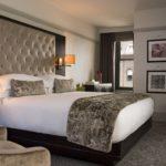 Hoteles en Chicago ceden camas para atender el brote