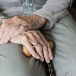 Seguro médico para adultos mayores indocumentados